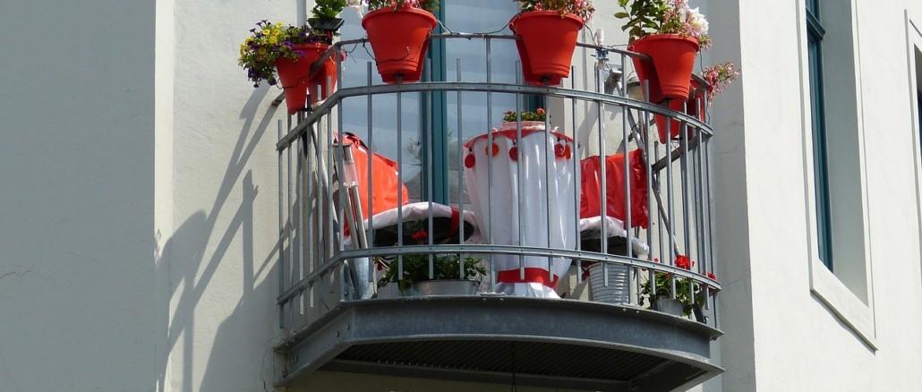 balcony-227279_1280